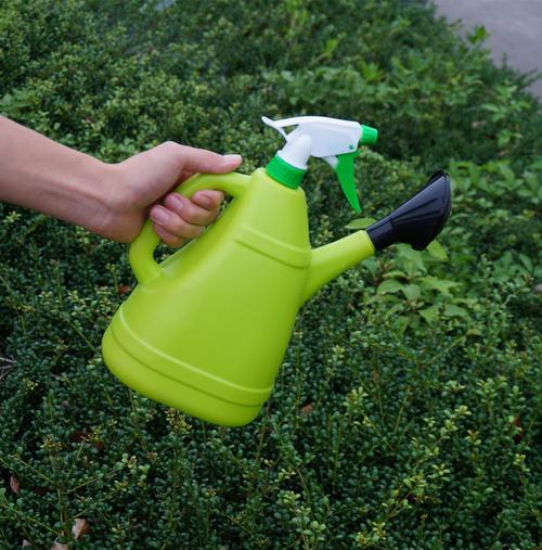 Handheld sprayers